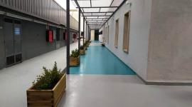 L'Hospital de Figueres inaugura el passadís cobert exterior que connecta l'Edifici Est amb les Consultes Externes